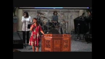 Trinity Church Worship (Spanish) 11-7-2010 Part-1
