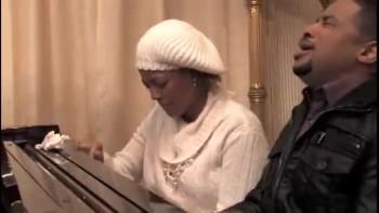 Kim Fields and Smokie Norful Praying Together