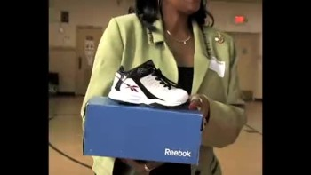 Warrensville Hts. High School/Hope Academy Shoe Giveaway