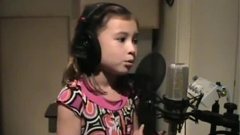 O Holy Night - Incredible child singer 7 yrs old