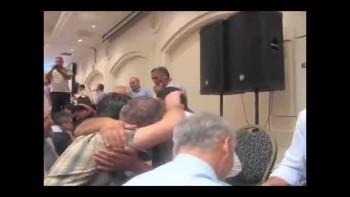 Arabs & Jews Worship together