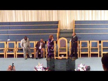 "Donnie McClurkin, Dorinda Clark Cole, Karen Clark Sheard and Kiki Singin ""Thank You Lord"""