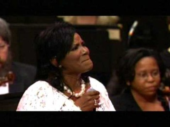 JUANITA BYNUM LIVE - I DON'T MIND WAITING