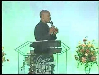 Bishop Noel Jones-Stop Trippin Pt.1