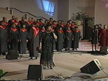 MAMA SHIRLEY CAESAR LIVE - HOW I LOVE JESUS