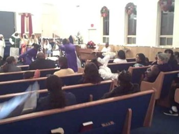Bishop Paul Morton Praise Dance: Bow down and worship him by Genuine Praise
