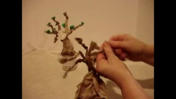 Zacchaeus-Making of his tree_Sarah Poff's art hands
