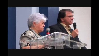 Dona Rosinha na Igreja Resgate