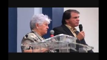 Dona Rosinha na Igreja Resgate