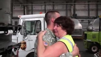 U.S. Soldier Give His Mom The Surprise of Her Life!