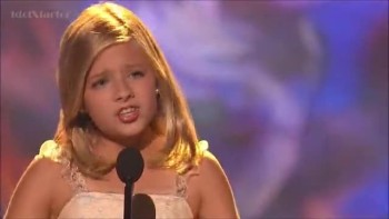 Standing Ovation!  Jackie Evancho WOW's Audience!