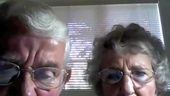 ADORABLE Senior Couple Tries to Figure Out a Webcam