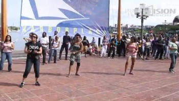Christian Flash Mob! Kirk Franklin