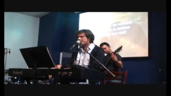 Worship. Pastor Fernando