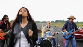Mónica Rodriguez - Me Falla Todo Menos Tú