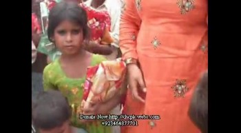 4# 14th August Distributing Love gift with our children at Gogumal Center.flv