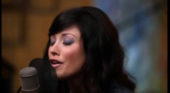 Kari Jobe - Find You on My Knees (Official Acoustic Video)