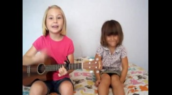 Adorable! Ukulele Mandi  Sis Perform Hold Me