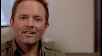 Passion White Flag - Chris Tomlin (Behind The Album)