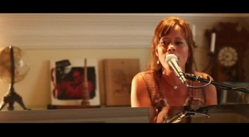 Sara Groves Performs Open My Hands + FREE SONG DOWNLOAD