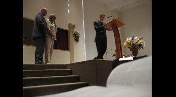 U.S. Army Sergeant Surprises Parents During Church