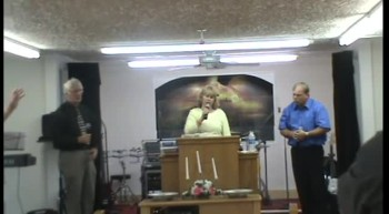 THE CARTER FAMILY SINGING AT VICTORY FAITH CENTER HOLINESS CHURCH IN SPARTANBURG SC APRIL 7 2012    I KEEP PRAYING