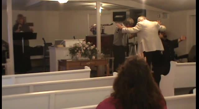THE CARTER FAMILY SINGING AT FREEDOM LIGHT PENTECOSTAL HOLINESS CHURCH APRIL 22 2012 I KEEP PRAYING PRAYING FOR OTHERS