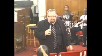 Prophet J. Raymond Starrett moving in the gifts of the spirit,prophecy,signs and wonders and miracles