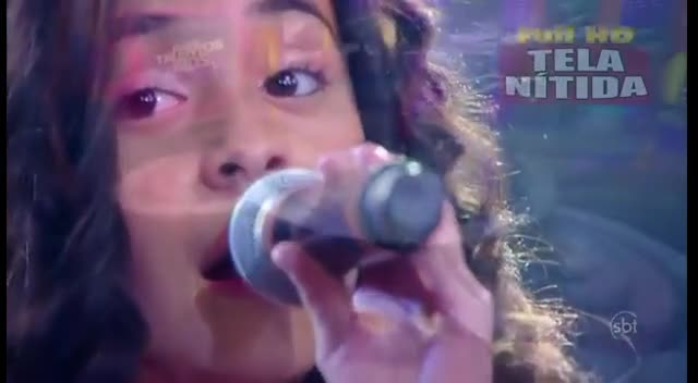 WOW! Cute! Michely Manuely in 1ª Performance - Hallelujah