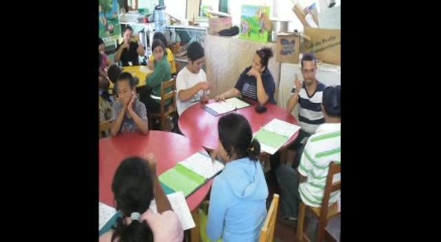 Honduran Deaf teaching