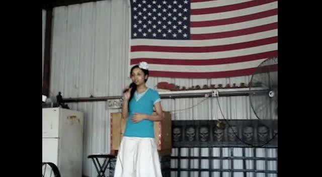 Kirsten Singing