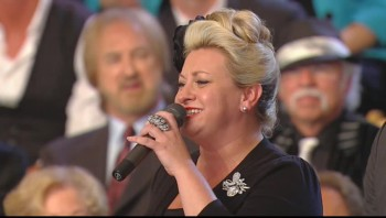Gaither Vocal Band and TaRanda Greene - Jesus Hold My Hand (Live)