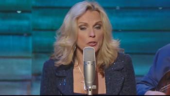 Rhonda Vincent - I Heard My Saviour Calling Me (Live)