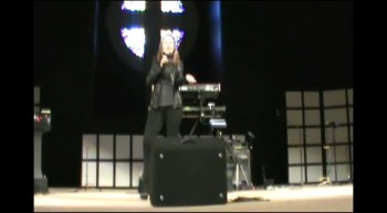 Female Christian Artist: Singer, Retreat Speaker, Comedienne- Laura Mae Poore
