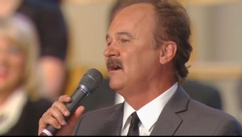Jimmy Fortune and Dailey Vincent - The Other Side of the Cross [Live]