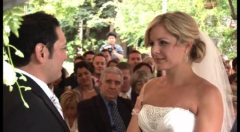 Bride Cries While Saying her Vows