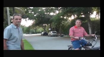 Don Gonzales y su Bicicleta de motor