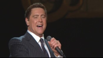 Ernie Haase and Signature Sound - God Delivers Again [Live]
