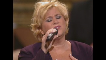 Sandi Patty and Larnelle Harris - More Than Wonderful (Live)