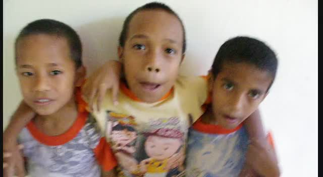 Roslin Orphanage Kids Beat Boxing in Indonesia