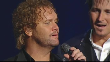 Gaither Vocal Band - Hide Thou Me [Live]