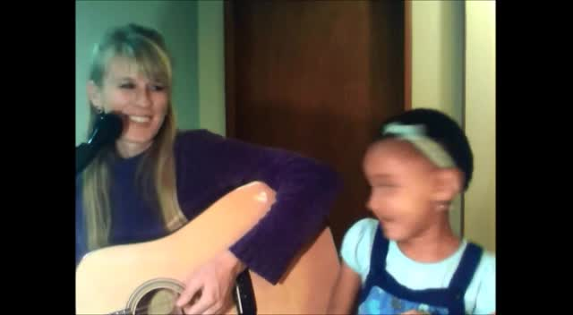 Here I am to Worship, Duet with Emma( 4 years old) and Mommy