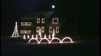 Touching Christmas Lights Tribute to Soldiers - A Soldier's Silent Night