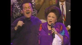 Gaither Vocal Band and Vestal Goodman - The Old Gospel Ship [Live]