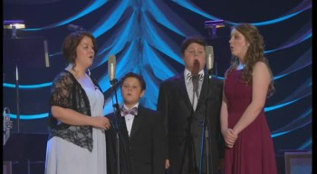 David Phelps, Callie Phelps, Maggie Beth Phelps, Grant Phelps and Coby Phelps - Holy Is the Lord / Holy, Holy, Holy (Medley) [Live]