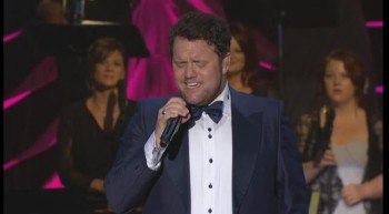 David Phelps - America the Beautiful / God Bless America (Medley) [Live]