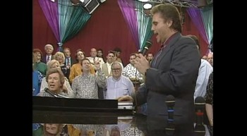 Bill Gaither and Gary McSpadden - Because He Lives [Live]