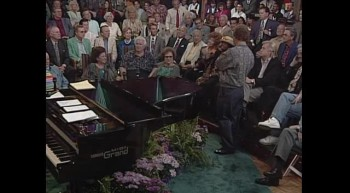 Bill  Gloria Gaither - On Jordan's Stormy Banks (Live)