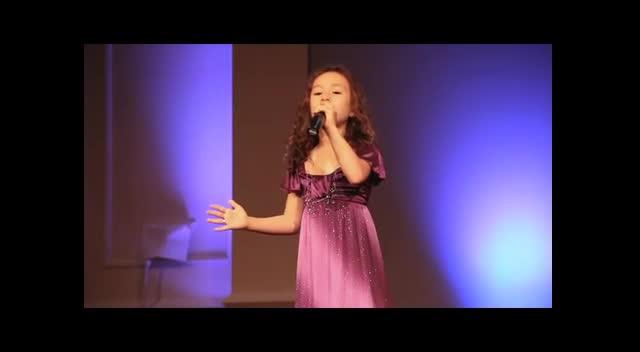 Rhema Marvanne - The First Noel (7 Years Old)