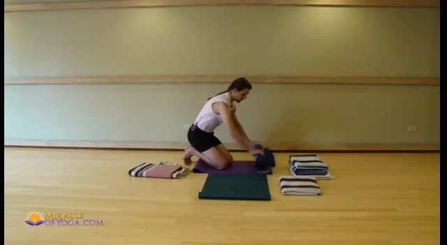 Vajrasana Kneeling Yoga Pose